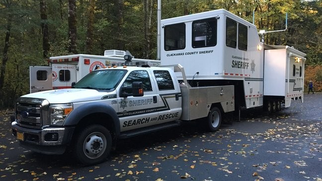 Search crews find more clues on missing hiker's whereabouts