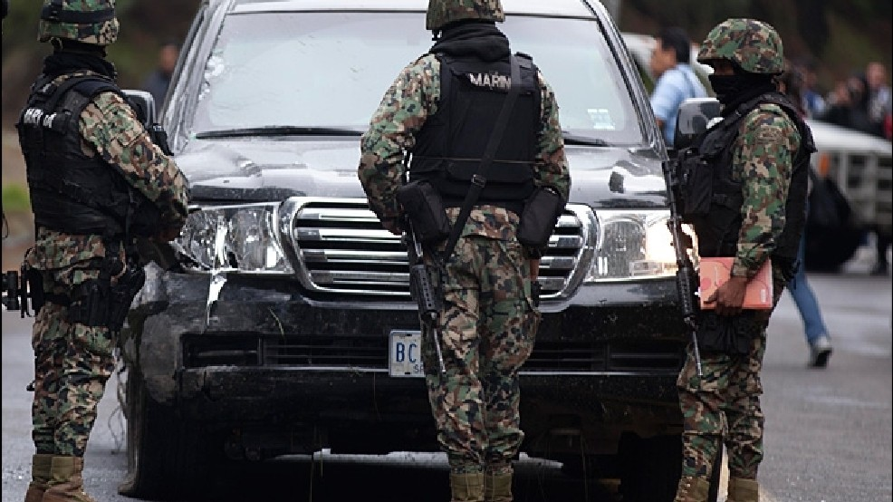 Mexico probes why federal cops fired at U S  gov't car   KCBY